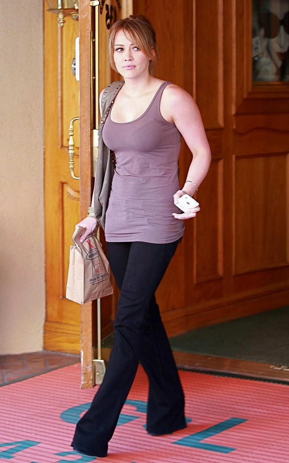 Carmen Electra - Celebrity Fashionistas - Pictures - CBS News