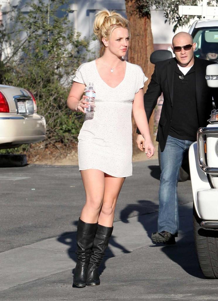 Best Celebrity Legs in High Heels | ReelRundown